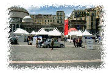 il villaggio maratona in piazza del plebiscito
