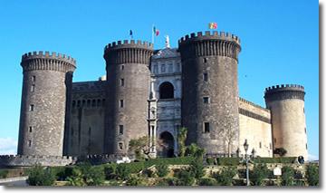 Castel Nuovo (photo by Massimo Moffa)