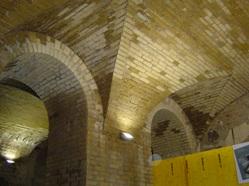 struttura a volte e ad archi di antico fabbricato