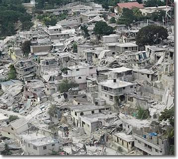 fotografia aerea della capitale Port-au-Prince, scattata dalla Croce Rossa internazionale durante una missione per valutare i danni del terremoto