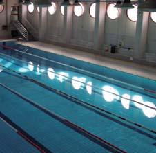 vista dall'alto della piscina del centro polivalente