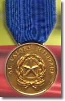 riproduzione di medaglia d'oro al valor militare
