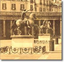 antiche foto di statue equestri in piazza del plebiscito