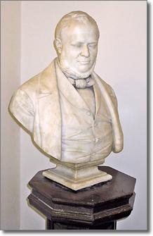 busto in marmo raffigurante Camillo Benso conte di Cavour