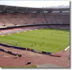 vista dall'alto di un campo da calcio