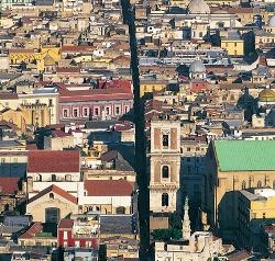 scorcio del centro storico di Napoli