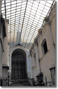 immagine di quanto rimane del passaggio coperto in palazzo San Giacomo