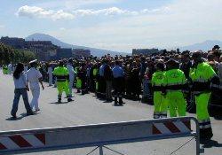 Volontari in Via Caracciolo per la Festa della Marina Militare