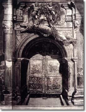 Ingresso del castello con il coccodrillo