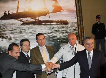 Conferenza stampa  a Castel dell'Ovo  il 6 aprile 2012