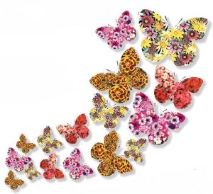 una serie di farfalle create con delle fantasie floreali